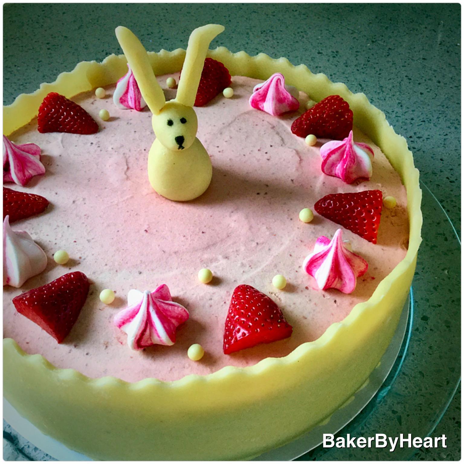 Kage med jordbærmousse