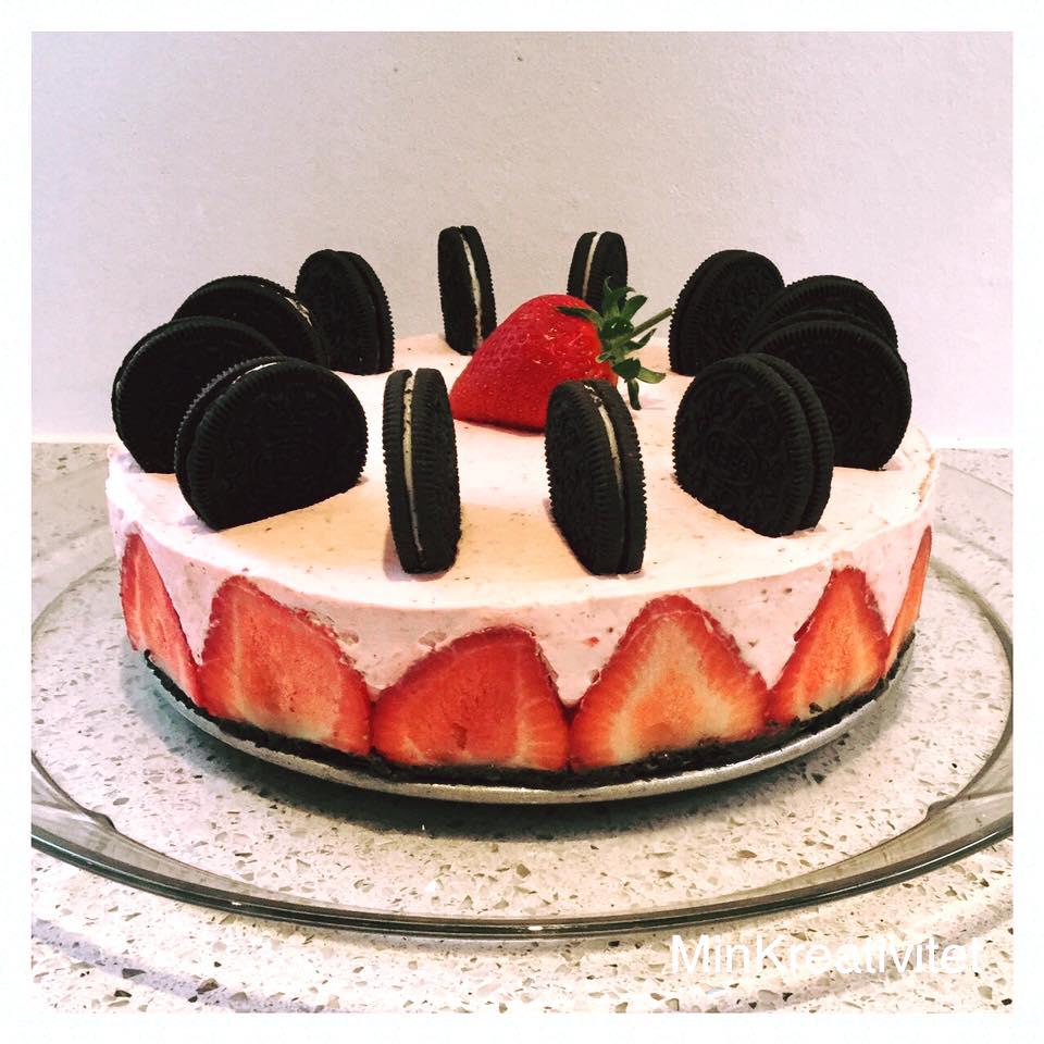 Strawberry cheesecake med oreo