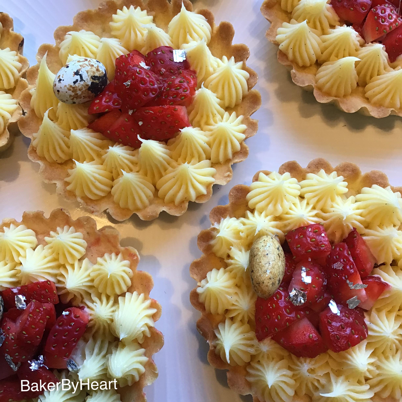 Jordbærtærter med cremeaux og jordbærsylt